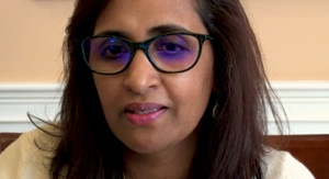 Usha Tummala-Narra exlaining a about racial stress in session